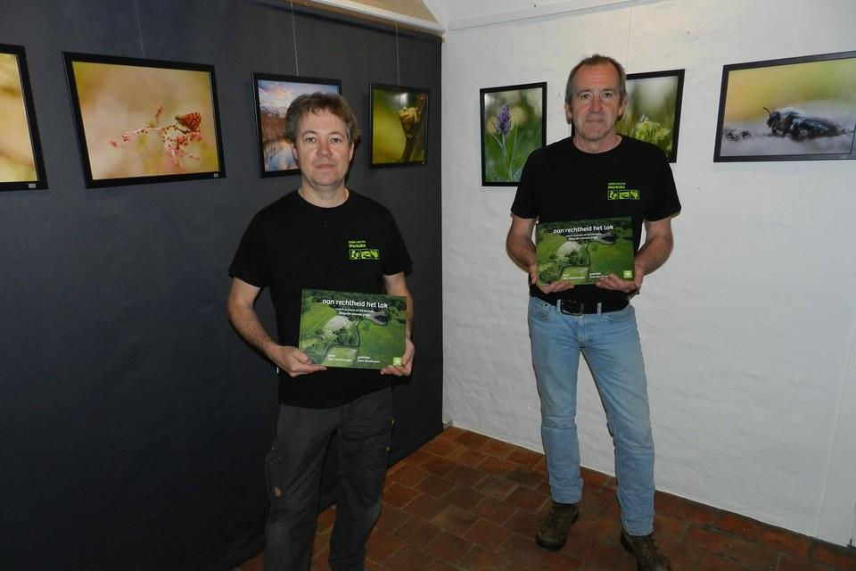 Wim en Koen brengen hun foto's en gedichten samen in een boek.
