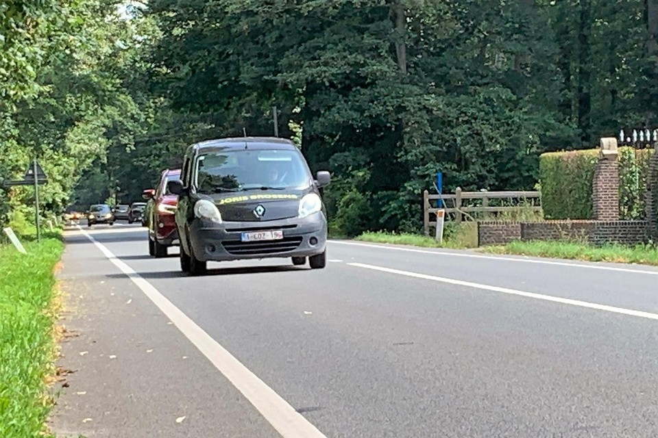 Er komen veilige fietspaden langs de Putsesteenweg.