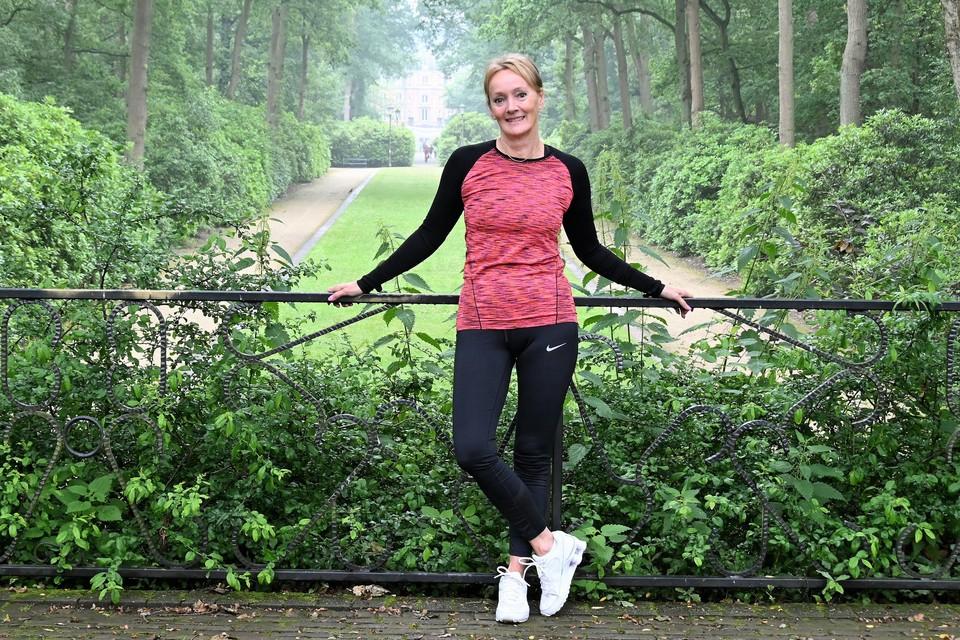 Hester Regoort wil vrouwen tussen 40 en 70 samen aan het wandelen krijgen.