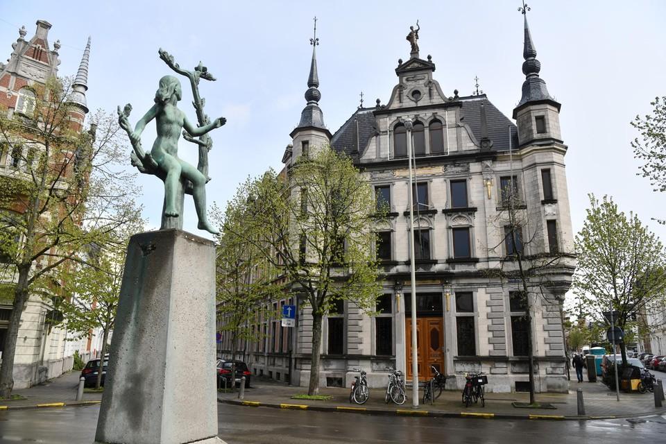 De prachtige voorgevel van het Antwerps Rijksarchief.