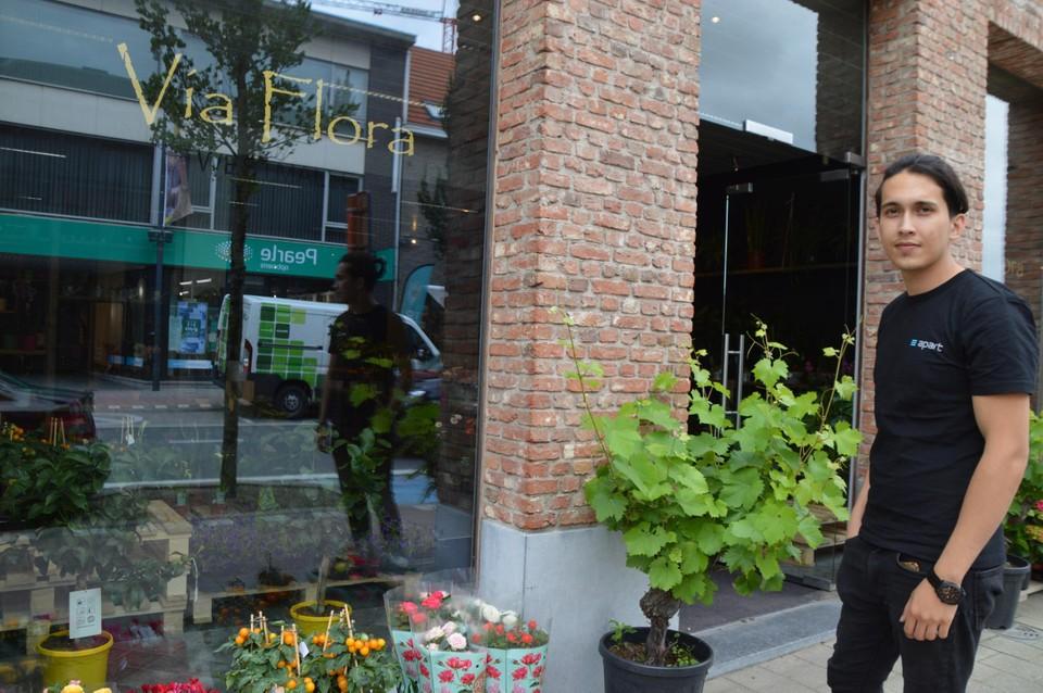 Via Flora op de Antwerpsesteenweg.