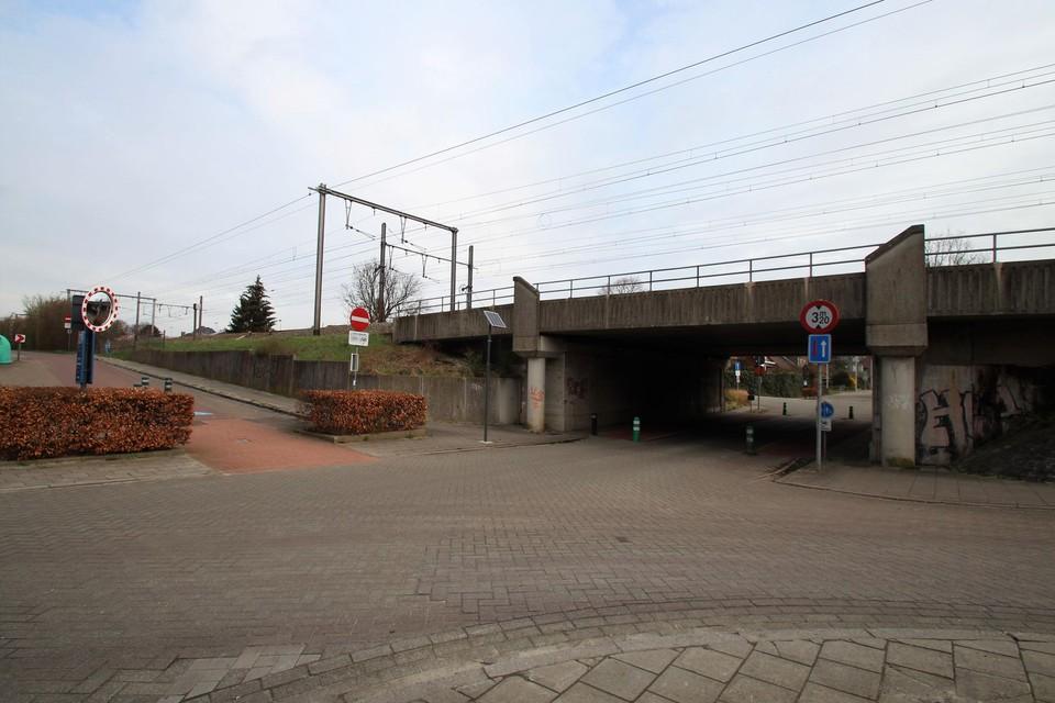 De kruising van de fietsostrade met de Beekhoekstraat staat al langer bekend als gevaarlijk.