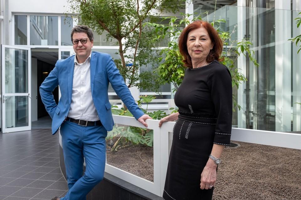 Klimaatregisseur Manon Janssen (rechts) zal de Klimaatraad voorzitten. Schepen Meeuws gaat op zoek naar leden voor deze raad.