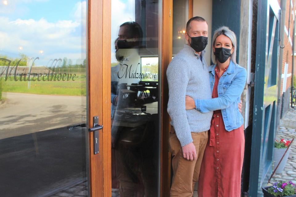 Kenny Vandenbremt en Natalie Dilles openen dit weekend de vernieuwde Midzeelhoeve.