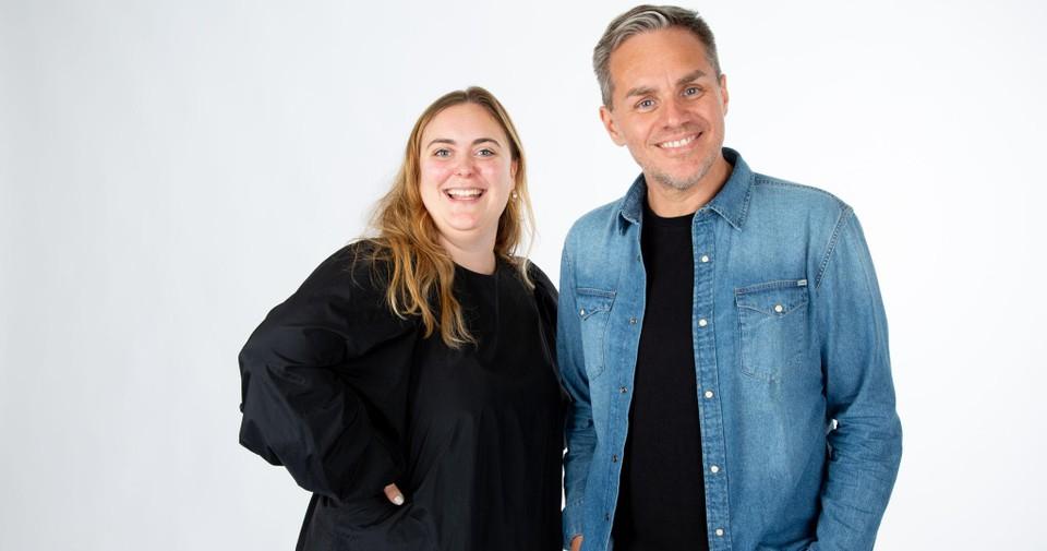 Stubru-dj Fien Germijns en MNM-dj Peter Van de Veire.