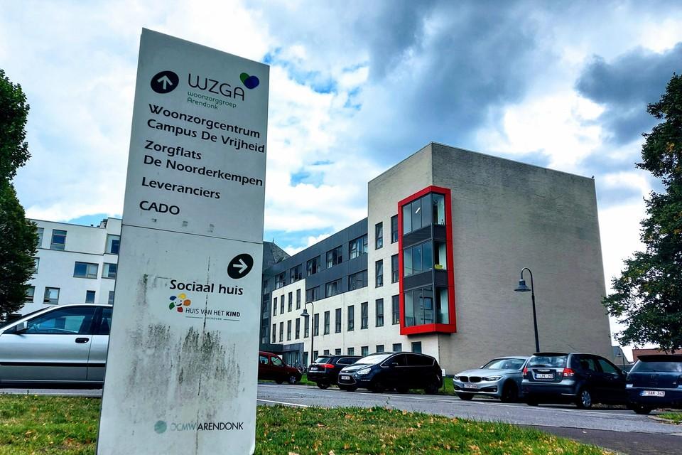 In het woonzorgcentrum in Arendonk waart het virus nog altijd rond. Op dit ogenblik zijn er de twee campussen nog 85 bewoners en 23 personeelsleden positief.