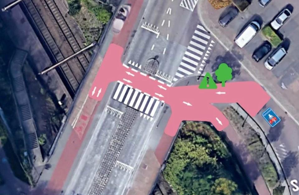 Rode markeringen voor meer duidelijkheid op het kruispunt met de Deurnestraat.