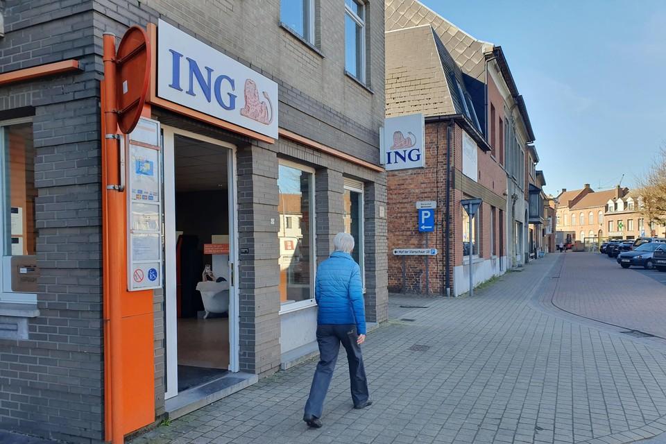 De ING-bankautomaat en het bankkantoor op de Dries in Sint-Pauwels gaan dicht.
