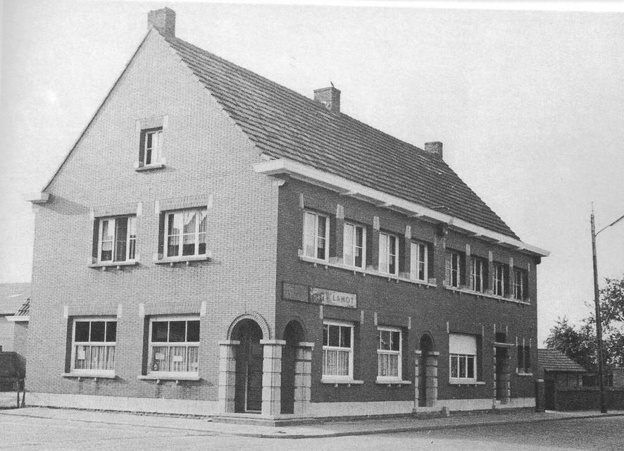 Het vroegere café De Zwaan in Zondereigen.