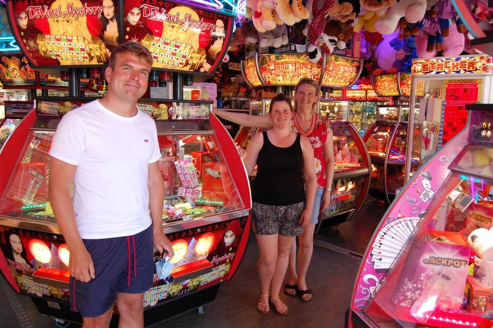 Michel in het lunapark van Jessica en Pascaline op de markt van Kruibeke.