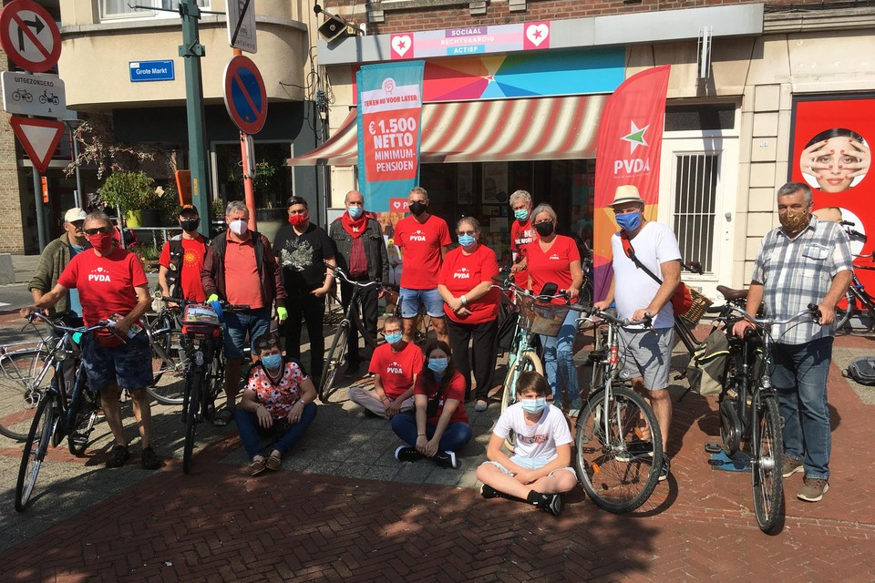 Door de coronamaatregelen werden maximaal twintig (fietsende) deelnemers toegelaten.