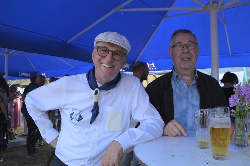 Twee Molenkringers van het eerste uur: huidig voorzitter Richard Bastanie en ereburgemeester Willy De Bie.