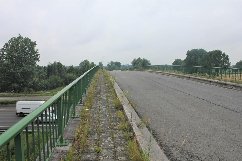De brug kan wel een opknapbeurt gebruiken.