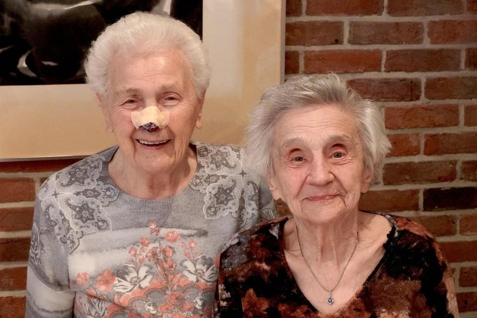 De 100-jarigen van Muizen: Virske Van den Berghe (links) en Margriet Gooris.