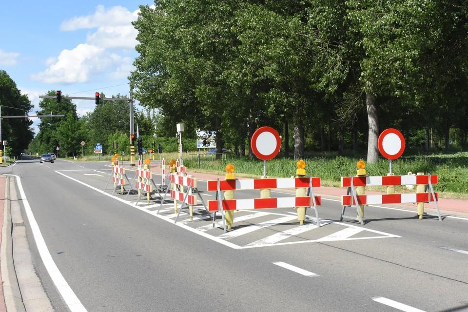 Het zinkgat ontstond net voor het kruispunt 'Roscam' in Mol Rauw.
