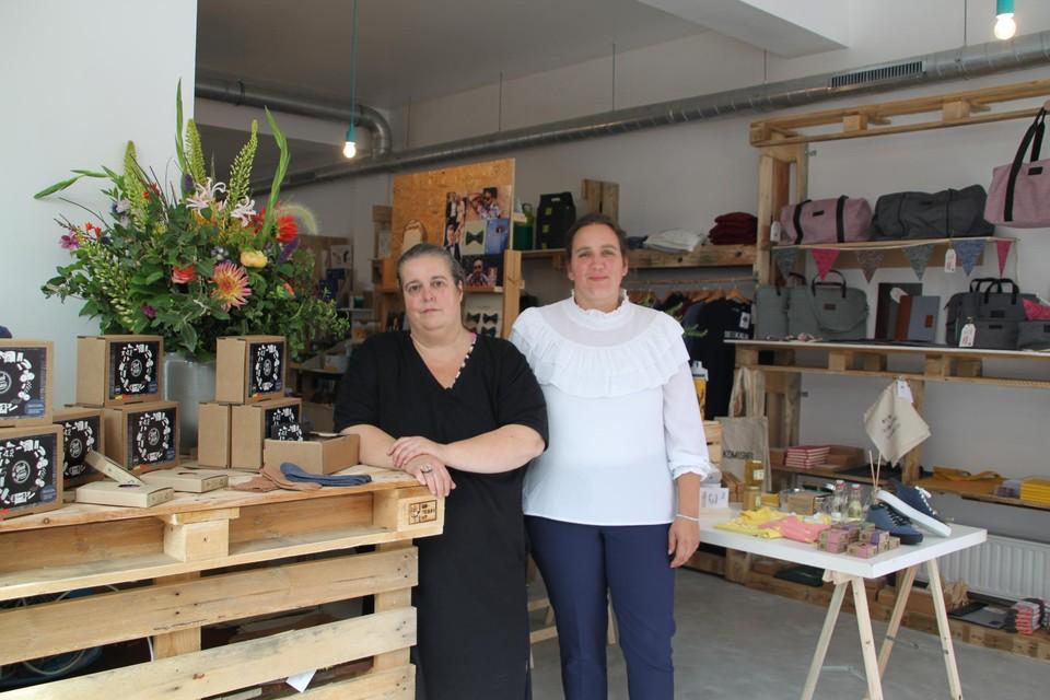 Wendy en Wendy begonnen met een eigen sokkenmerk en openen nu een winkel.