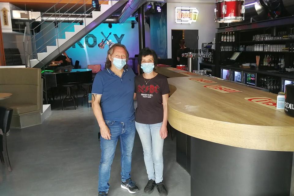 Mil en Nancy Wuyts openden woensdag hun muziekcafé The Roxy, vol verstopte muziekelementen zoals een toog in de vorm van een gitaar.