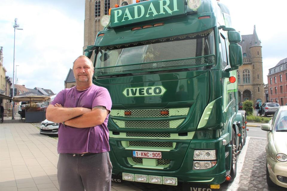 Jan Vromans is trots op zijn vrachtwagen, die mogelijk de mooiste van het land is.