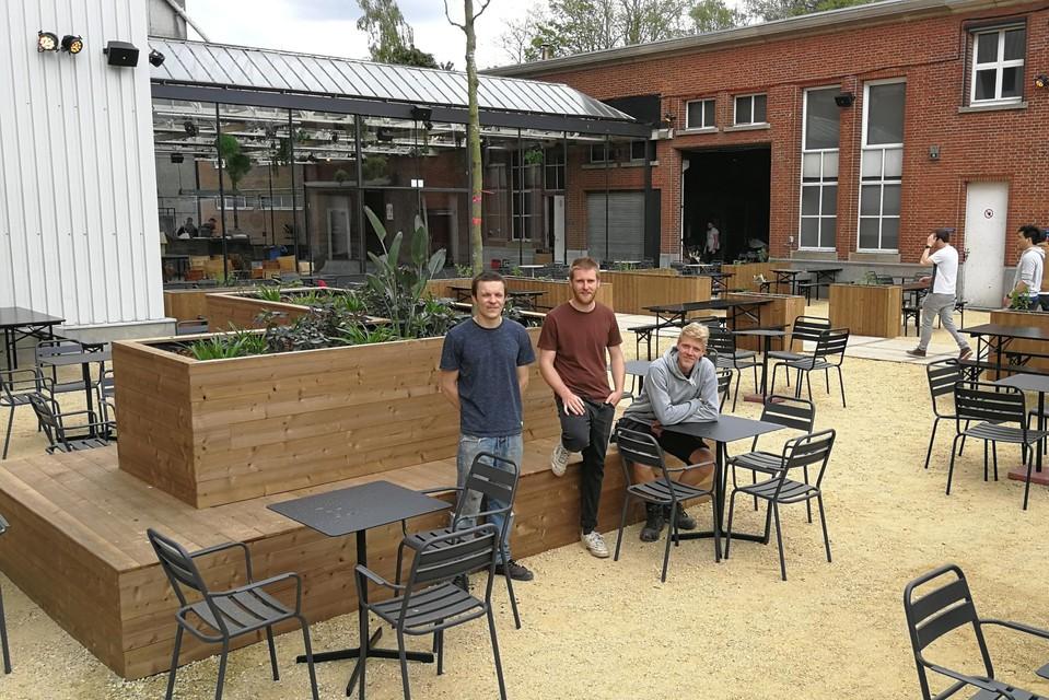 Zander Pelgroms, Bastiaan Quets en Mathias Vanuytsel zijn het Geelse trio achter De Bloemfabriek, hun Turnhoutse partners ontbreken op de foto.
