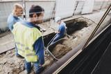 thumbnail: Door de grondverzakking is een put van ongeveer twee meter diep ontstaan. De plek is afgezet.