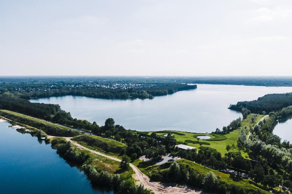 De Put van Rauw, het grootste kunstmatige meer van Vlaanderen.
