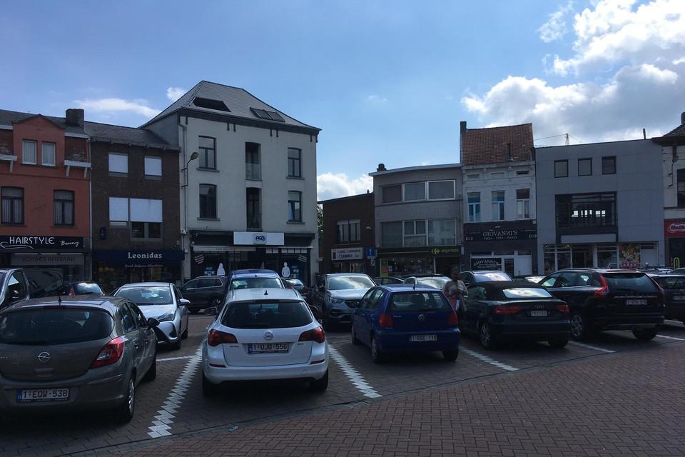 Het betalend parkeren blijft gelden in het centrum. Het voorgestelde twee uur gratis parkeren ligt in de prullenmand.