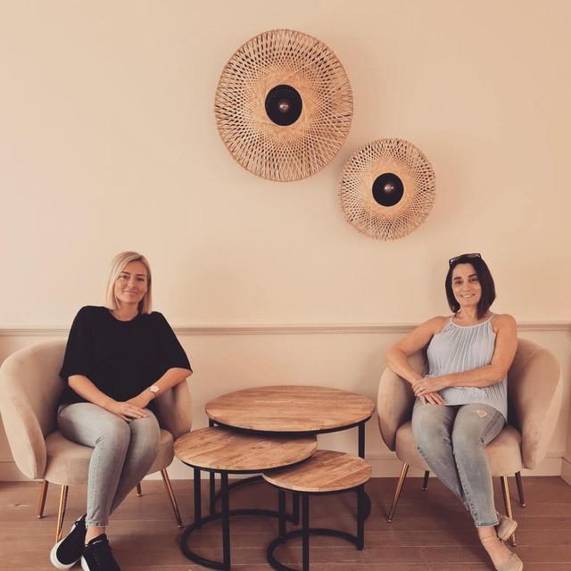 Onderneemsters Megan Lodewijckx en Anneke Meulebroeck.