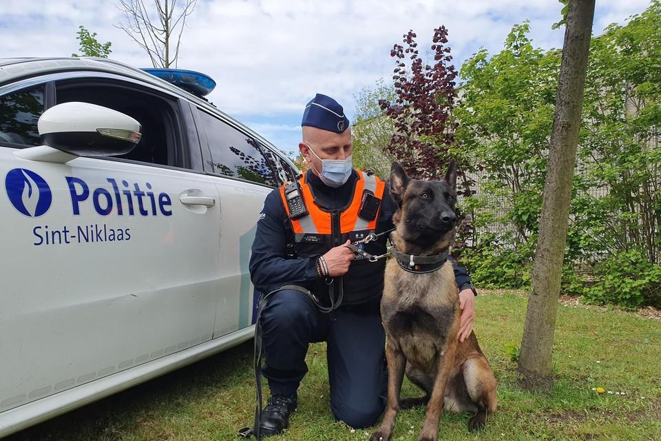 Murphy met zijn baasje politie-inspecteur Jeroen.