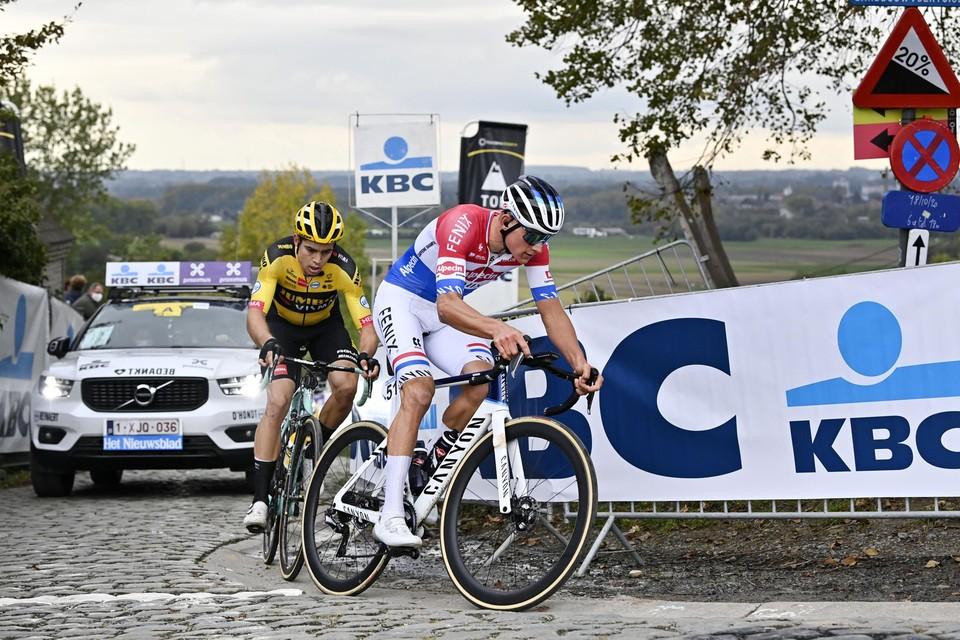 Het duel tussen Mathieu van der Poel en Wout van Aert vorig jaar.