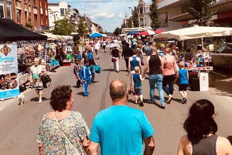 De Gallifortlei heeft een lange traditie aan rommelmarkten. Zondag is het (eindelijk) opnieuw zover, tijdens de wielerkoers 2 Districtenpijl Ekeren-Deurne.