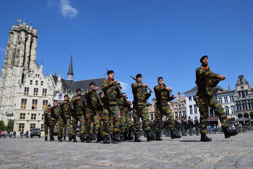 De militaire parade tijdens de bevelsoverdracht in 2019.