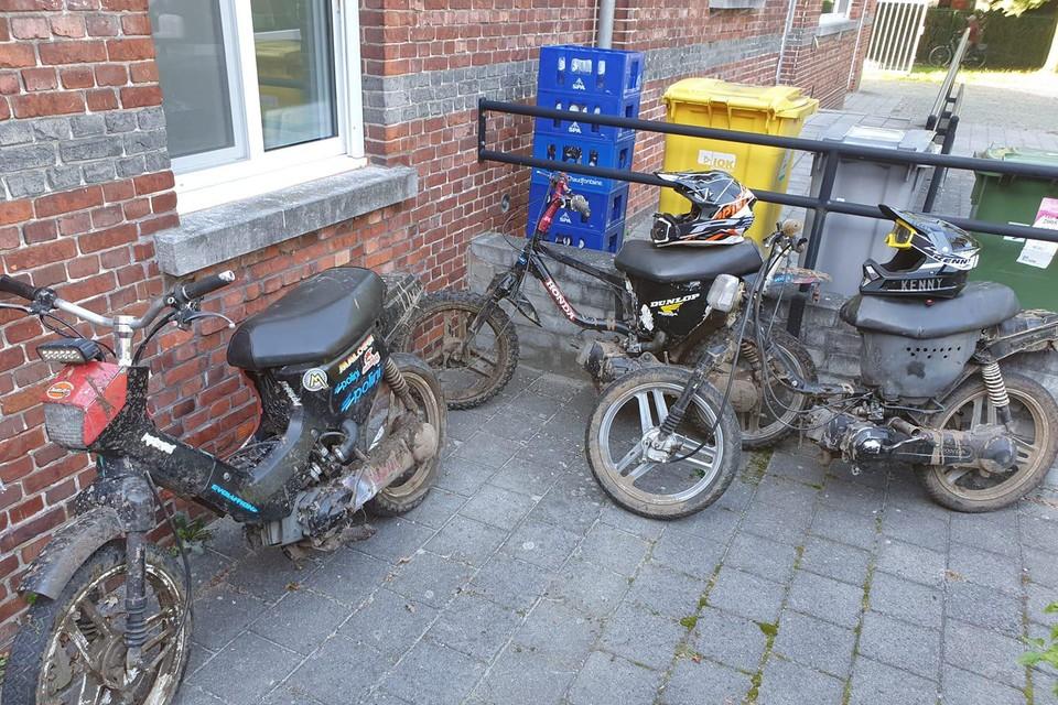 De crossers kunnen hun brommers ophalen bij de politie van Kempen Noord-Oost.