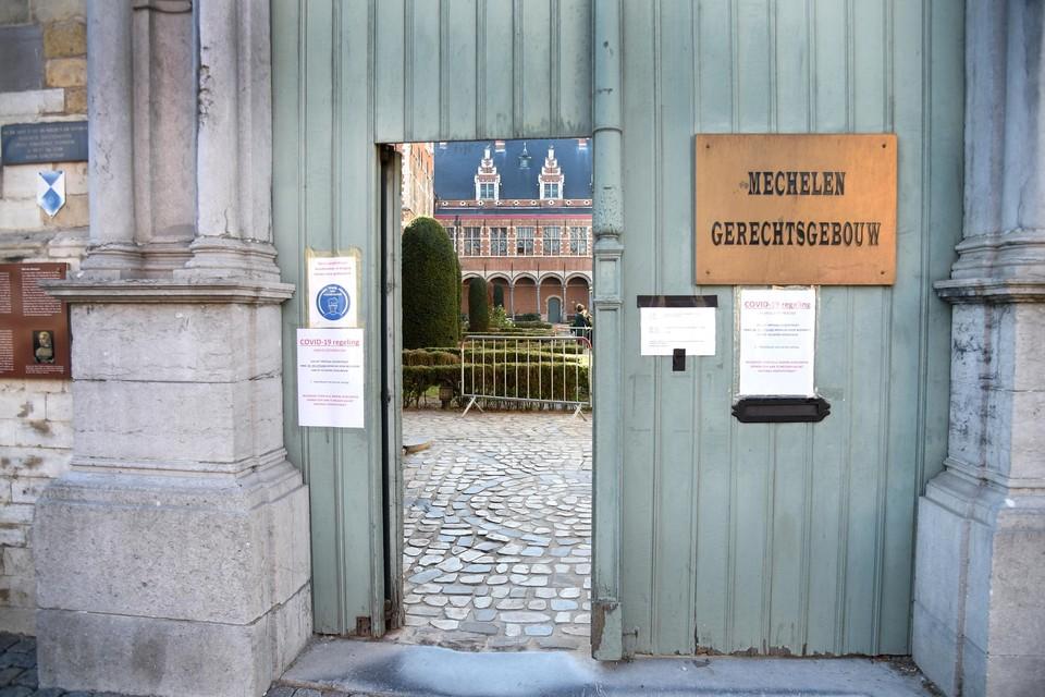 De feiten speelden zich af in het gerechtsgebouw in Mechelen.