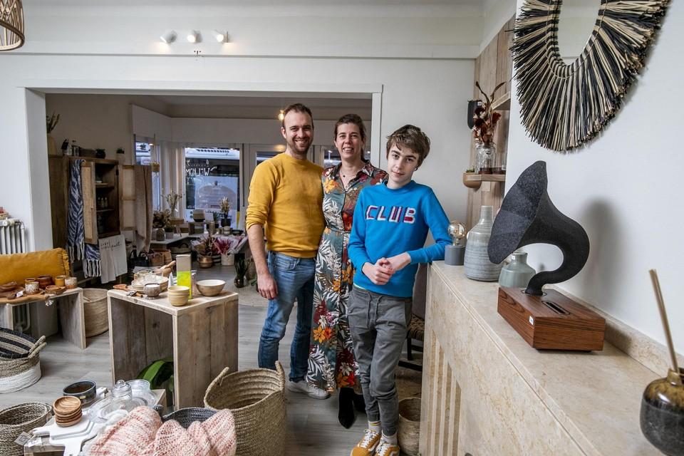 12-jarige zoon Emiel heeft zijn ouders zonder het te beseffen over de streep getrokken om met Shood te starten.