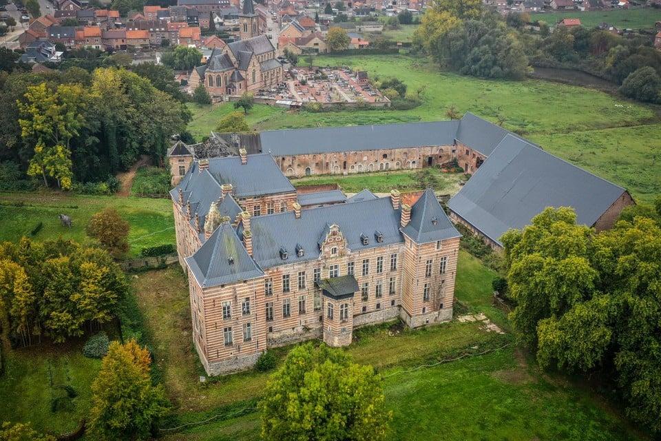 Het kasteel van Heers is een van de grootste en meest waardevolle van Vlaanderen.