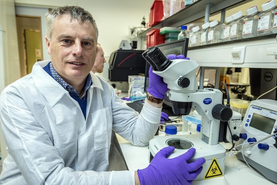 Johan Neyts, vaccinexpert bij het Rega Instituut van de KU Leuven.