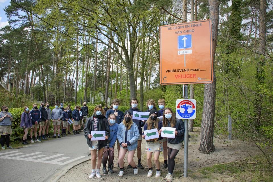 De vraag om suggestieve verkeersborden te plaatsen, kwam van de jeugdvereniging zelf.