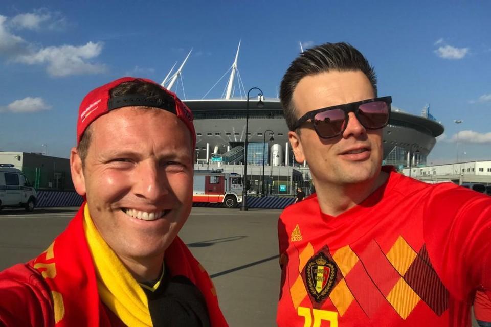 Frédérick Crynen (links) voor het stadion.