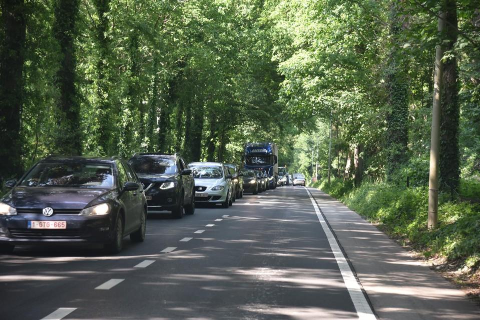 Ook aan het kruispunt aan De Kroon is het vaak aanschuiven richting Viersel.