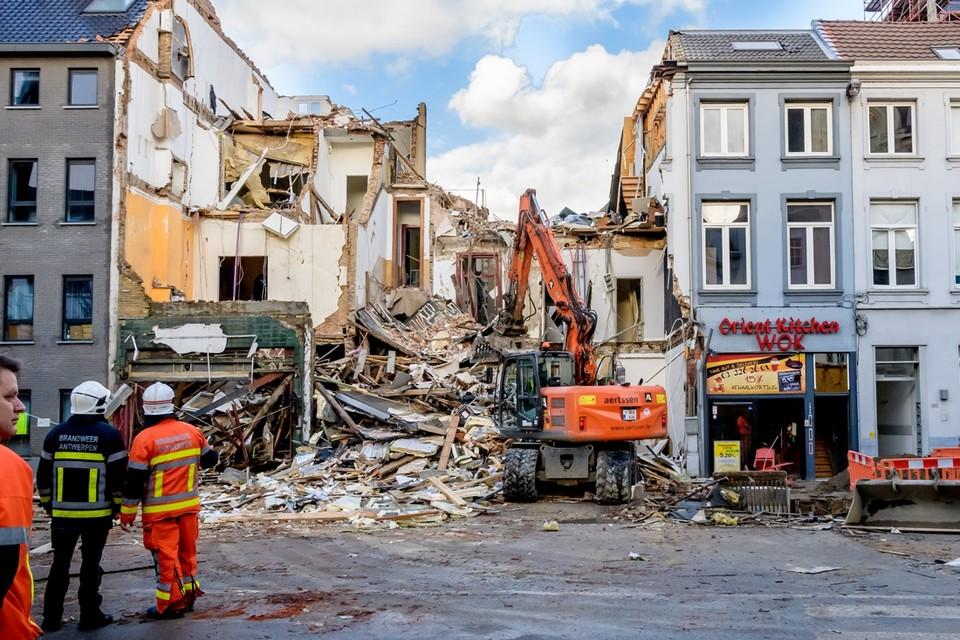 """Er waren verschillende signalen dat er problemen waren met het gebouw Paardenmarkt 101. Volgens maatschappelijk werkers was een van de appartementen """"in zeer slechte staat""""."""