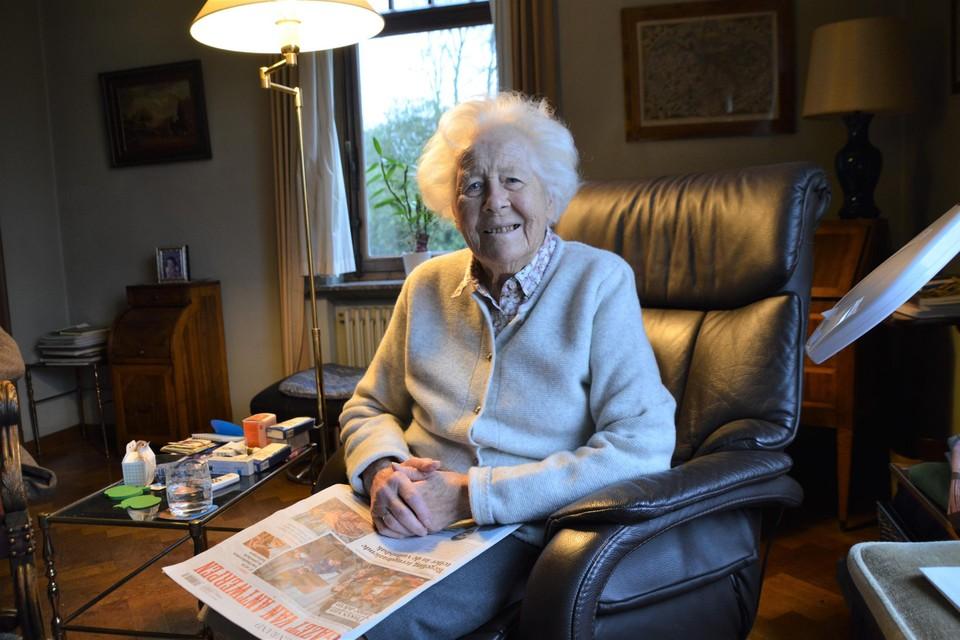 Barones Myriam de Jonghe d'Ardoye leest nog elke dag .