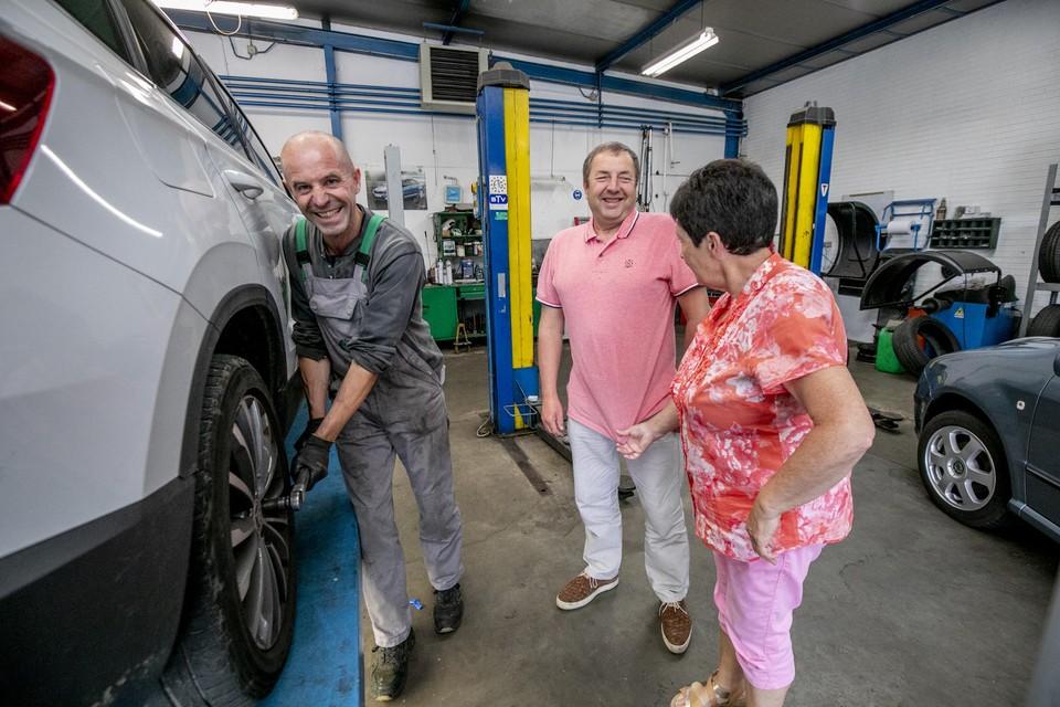 Marc en Greta nemen ook afscheid van Wim, die met 33 jaar dienst hun trouwste werknemer is.