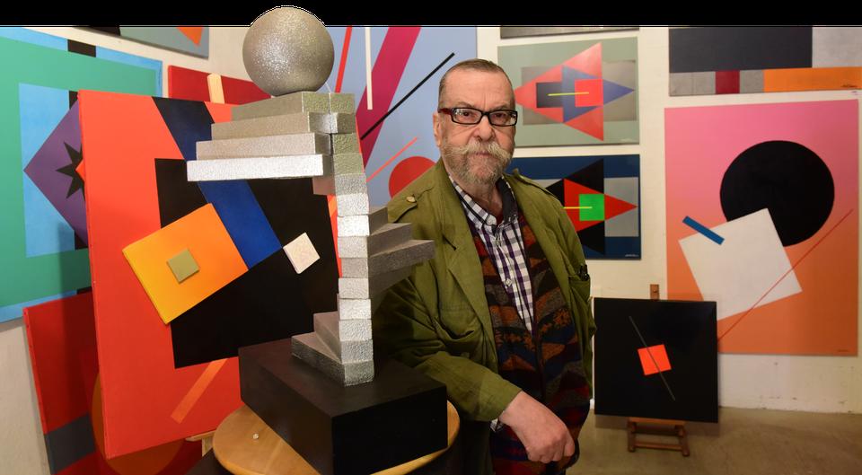 Paul Ibou in zijn atelier.