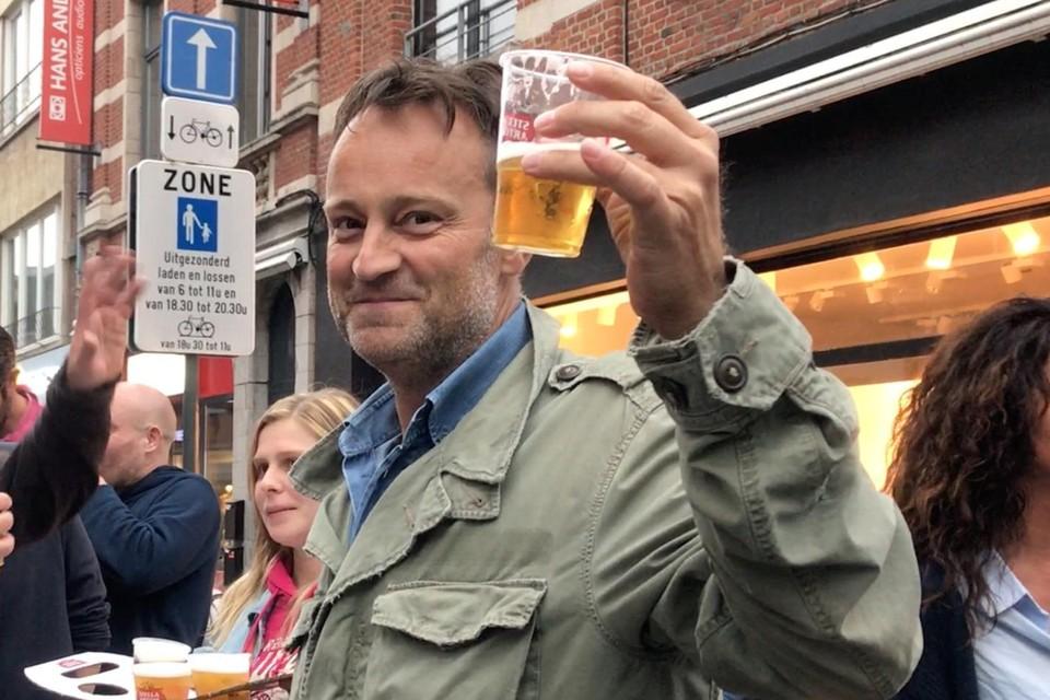Vlaanderen leerde Peter Vandenborne eind jaren negentig kennen als gerechtsjournalist en nieuwsanker bij VTM.