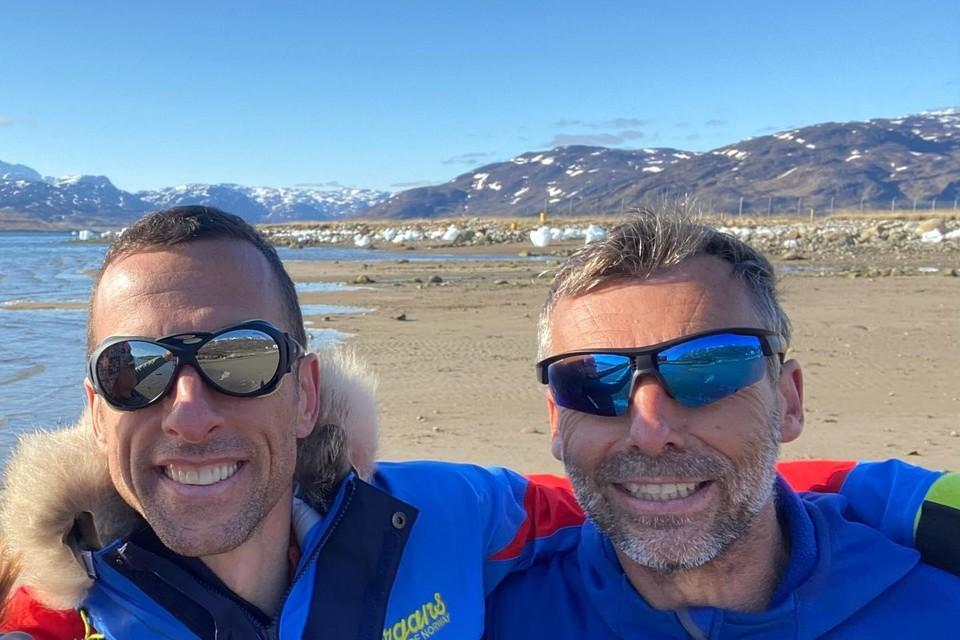 De Canadees Sébastien Audy (links) en Dixie Dansercoer voor de start van hun expeditie