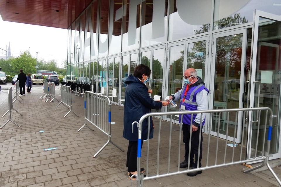 Vaccinatiecentra, zoals 't Bauhuis in Sint-Niklaas, denken aan sluiting in september.