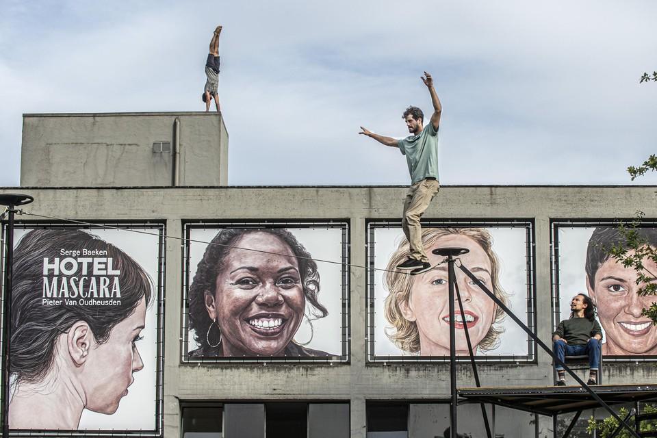 Het Open Stadsatelier in de Begijnendreef is het decor voor de voorstelling van Be Flat.
