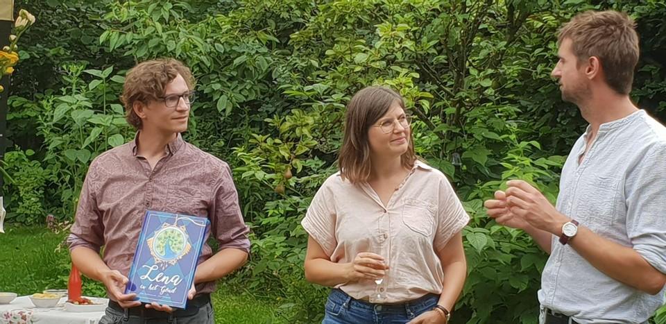 Erik, Lise en Wim bij de presentatie van hun boek.
