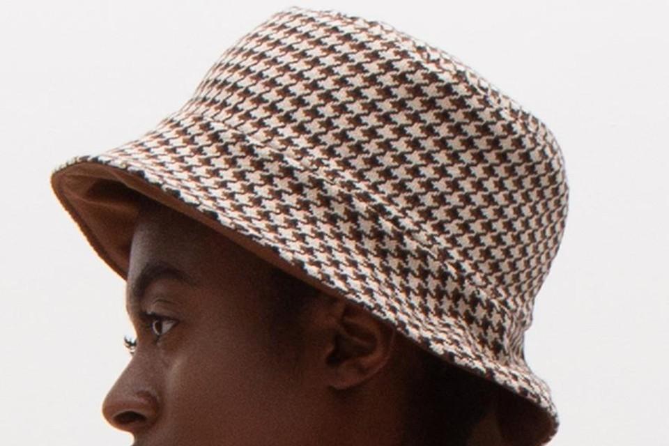 Geruit hoedje - Nathalie Vleeschouwer - 59 euro / www.nathalievleeschouwer.be