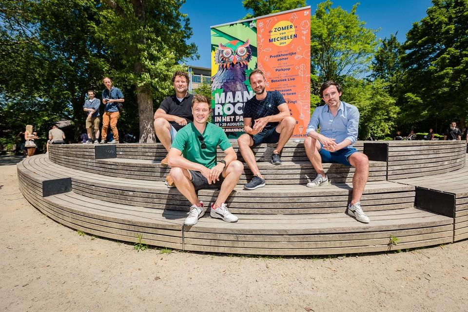 Mats Walschaers, Kristof Schippers, Christian Michiels en Kristof Calvo stellen het programma van De Zomer is van Mechelen voor.